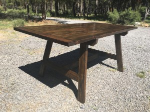 How to chose wood for your handmade table in bend, oregon